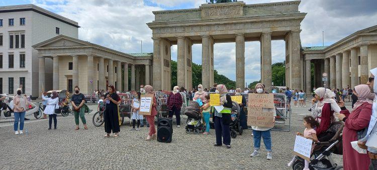 Demonstration vor dem Brandenburger Tor